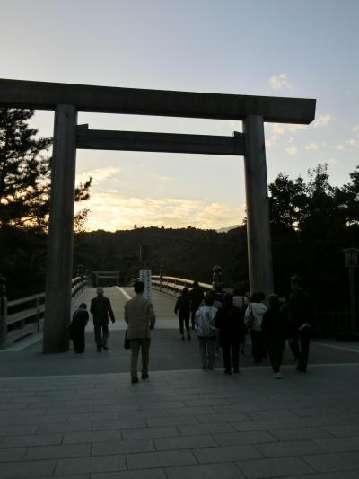 早朝の伊勢神宮